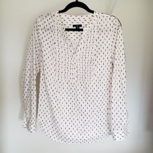 1/4 button down shirt size M